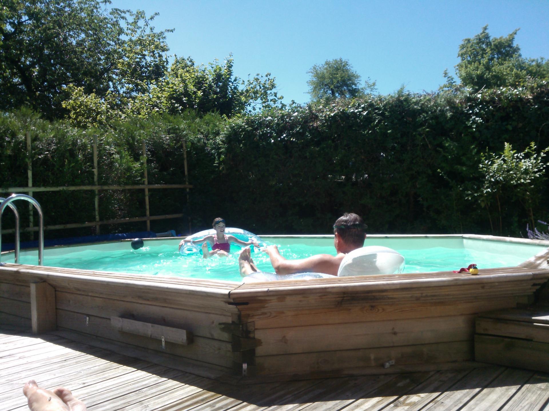Detente piscine chalet la bachole